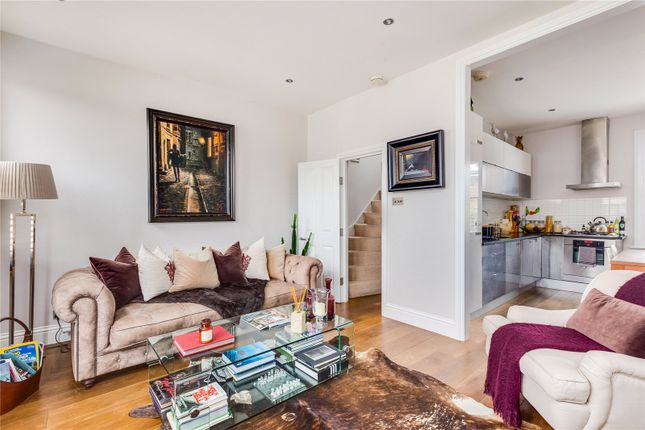 Living Room of Rowallan Road, Fulham, London SW6