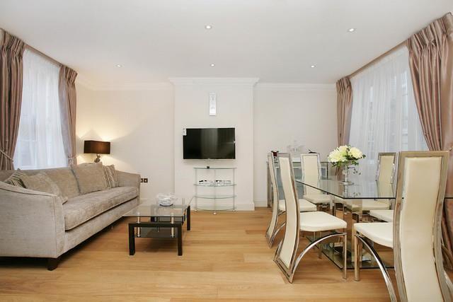 Mews house to rent in Shepherd Street, Mayfair, London