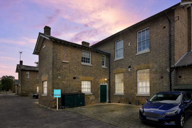 2 bed flat for sale in Horseshoe Crescent, Shoeburyness, Essex SS3