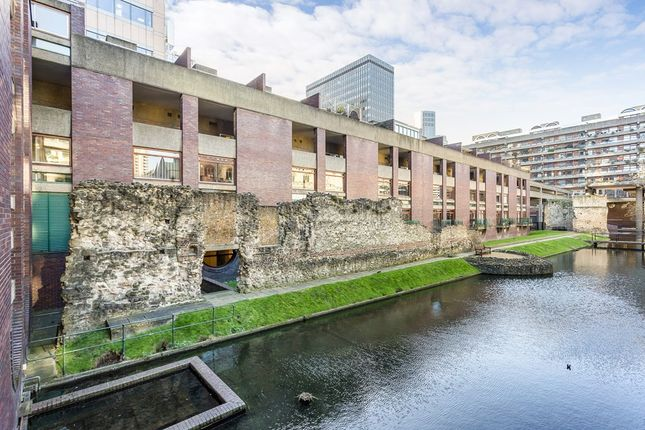 Thumbnail Terraced house for sale in Wallside, Barbican