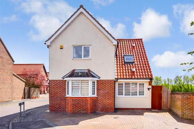 3 bed detached house for sale in Boyd Court, Wickford, Essex SS12