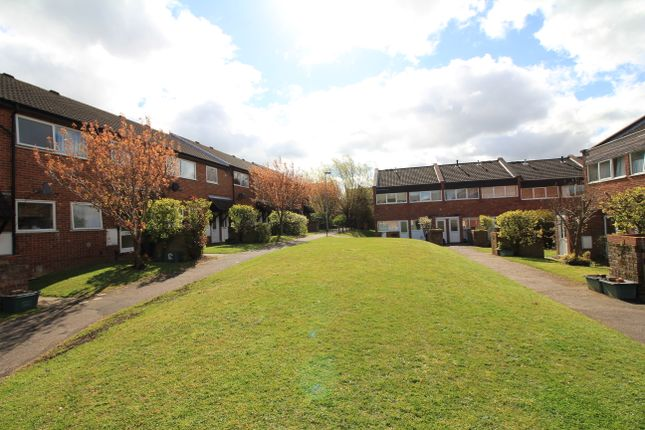 2 bed flat to rent in Windmill Court, Norwich