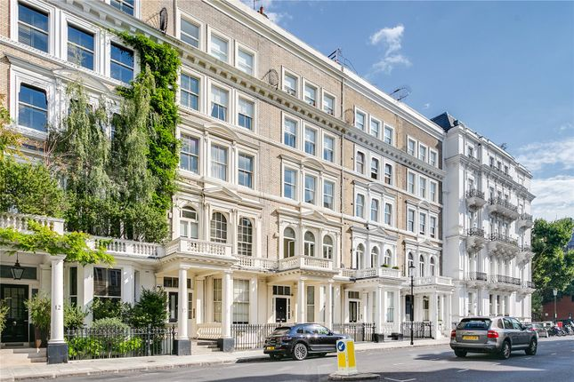Picture No. 20 of Queen's Gate Place, London SW7