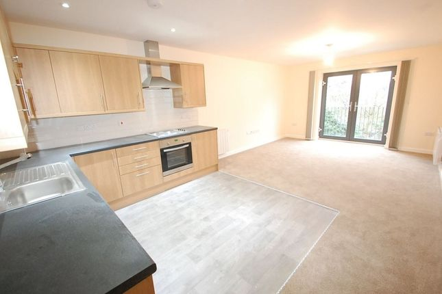 Thumbnail Flat to rent in Horninglow Road North, Burton Upon Trent, Burton Upon Trent, Staffordshire