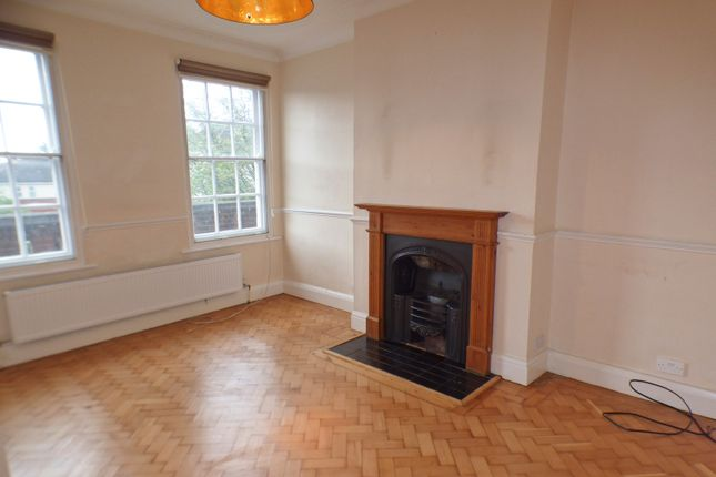 Thumbnail Maisonette to rent in Heddon Court, Cockfosters Road, Cockfosters