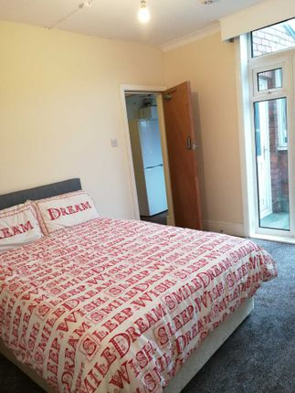 Thumbnail Shared accommodation to rent in Warnford Street, Swinley