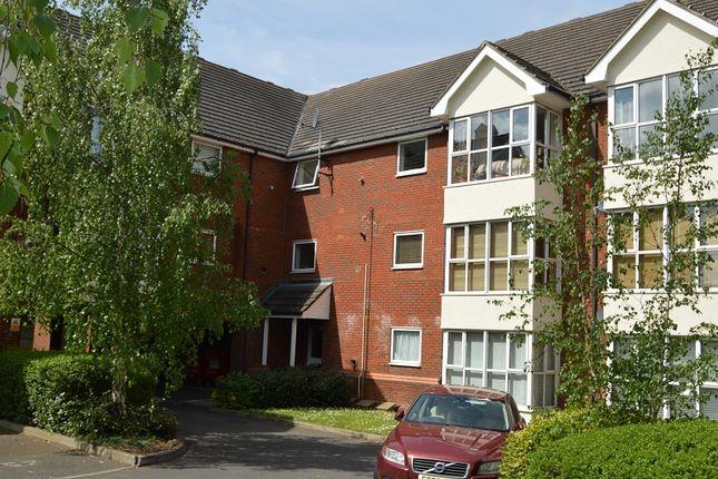 Thumbnail Flat to rent in Grasholm Way, Slough, Berkshire.