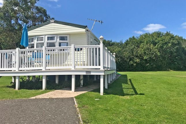 3 bed mobile/park home for sale in Thorness Lane, Cowes, Isle Of Wight