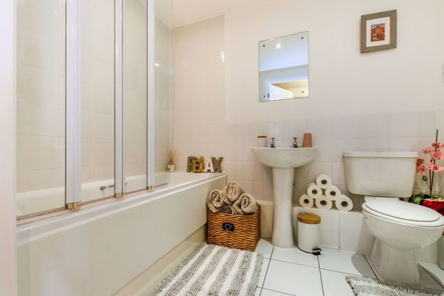 Bathroom of Singapore Road, Ealing W13