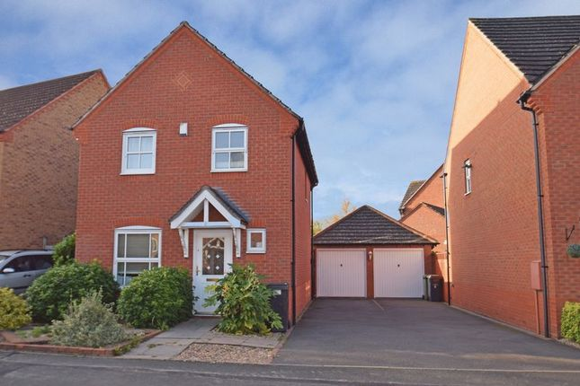 Thumbnail Detached house for sale in Rosedale Close, Redditch