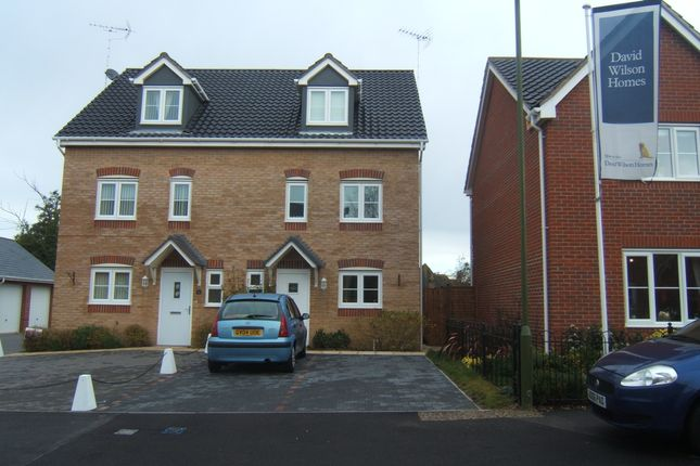 Thumbnail Semi-detached house to rent in Holmes Way, Wick, Littlehampton