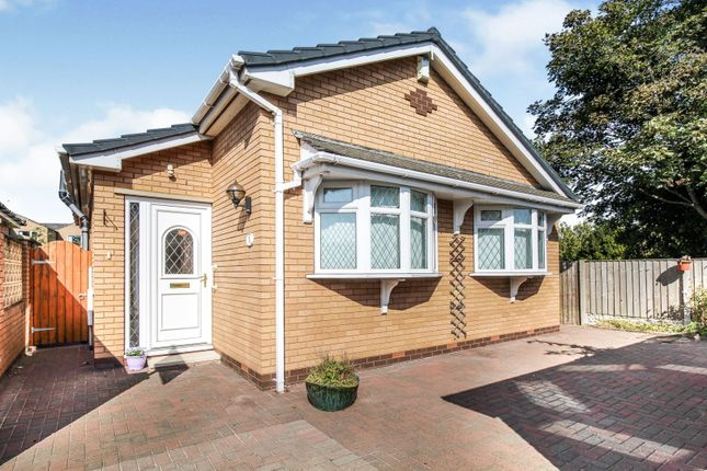 Thumbnail Bungalow for sale in Meadowcroft, Formby