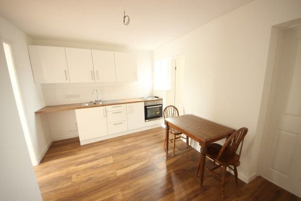 Thumbnail Property to rent in Homestall, Guildford