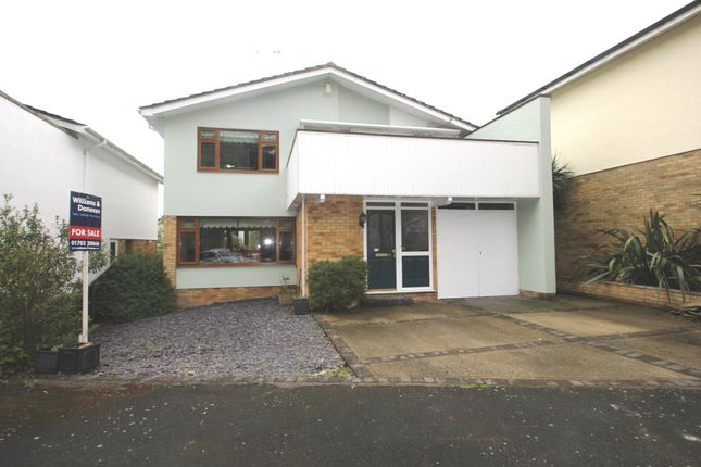 Thumbnail Detached house for sale in Woodpond Avenue, Hockley