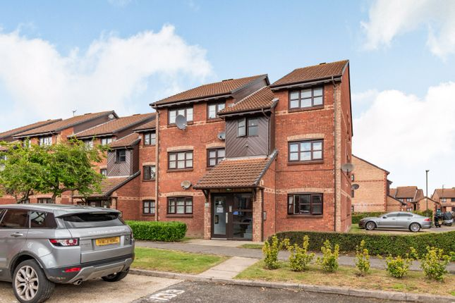 Flat for sale in Lowry Crescent, Mitcham