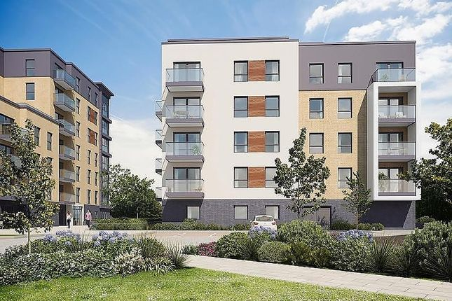 Thumbnail Flat for sale in Harlequin House, Padworth Avenue, Reading