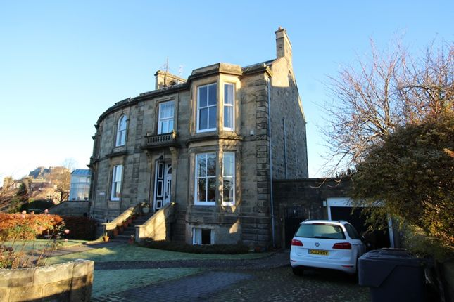 Thumbnail Flat to rent in Victoria Place, Stirling