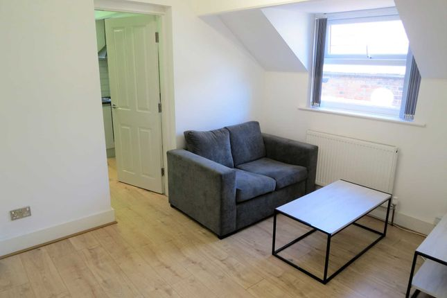 Flat to rent in Clyde Road, West Didsbury, Didsbury, Manchester