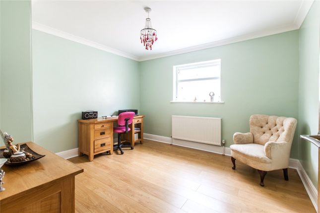 Picture No. 21 of White Hill Road, Meopham, Gravesend, Kent DA13
