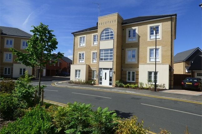 Thumbnail Flat to rent in Kings Reach, Langley, Berkshire