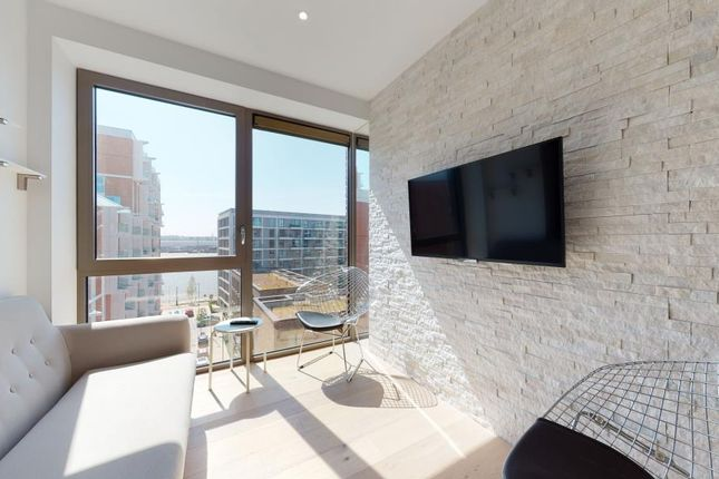 Thumbnail Flat to rent in Pendant Court, London