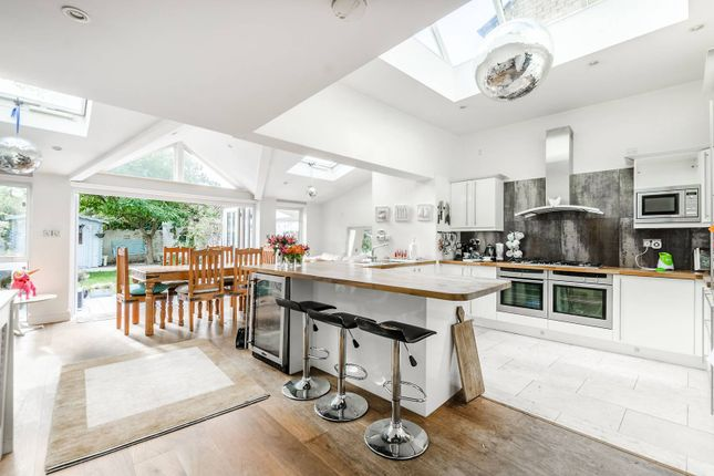 Thumbnail Property to rent in Hardwicke Road, Chiswick
