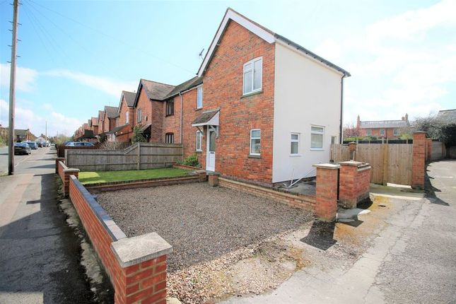 Thumbnail Terraced house to rent in Wellington Street, Thame