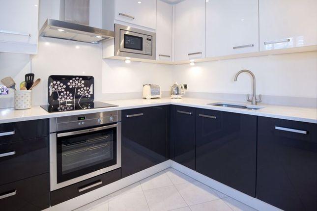 Thumbnail Flat to rent in Pembroke Mews, Pembroke Road, Sevenoaks