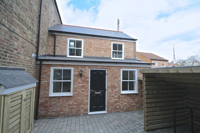 Thumbnail Detached house to rent in Childs Lane, London