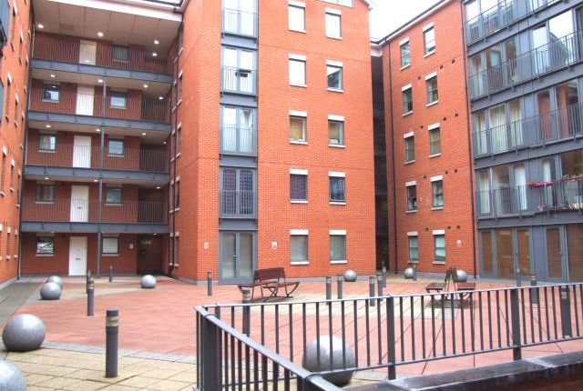 2 bed flat to rent in Pilcher Gate, Nottingham NG1