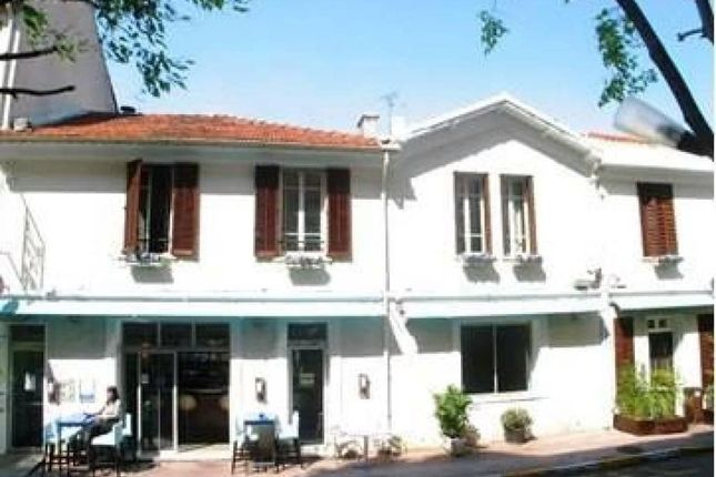 Property for sale in Juan-Les-Pins, Provence-Alpes-Cote D'azur, 06160, France