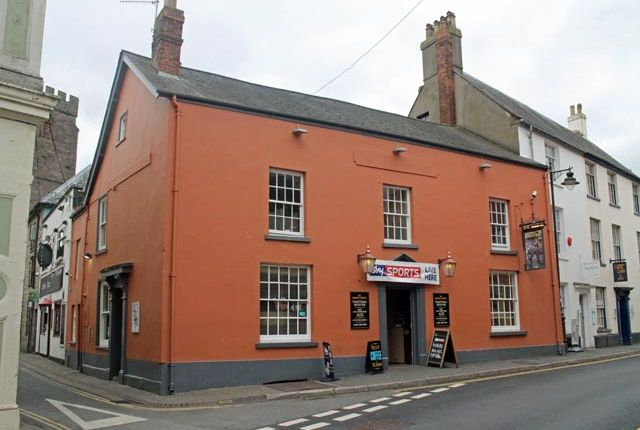 Thumbnail Pub/bar for sale in Wheat Street, Brecon