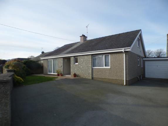 Thumbnail Bungalow for sale in Lon Yr Eglwys, Morfa Nefyn, Pwllheli, Gwynedd