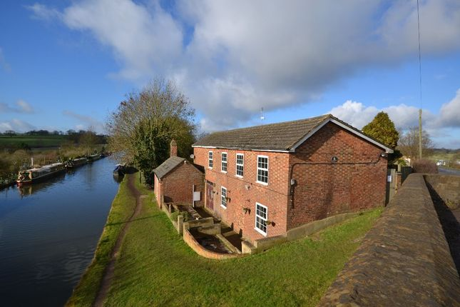 Thumbnail Detached house for sale in Canal Cottage Watling Street, Weedon, Northampton