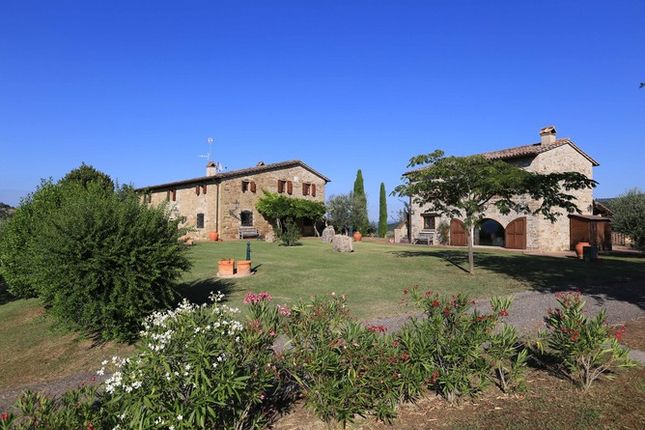 7 bed farmhouse for sale in 06054 Casaccia Pg, Italy