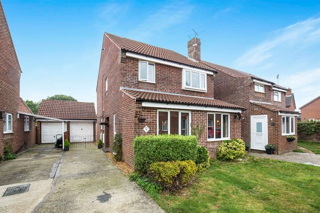 Thumbnail Detached house for sale in Priestley Way, Middleton-On-Sea, Bognor Regis