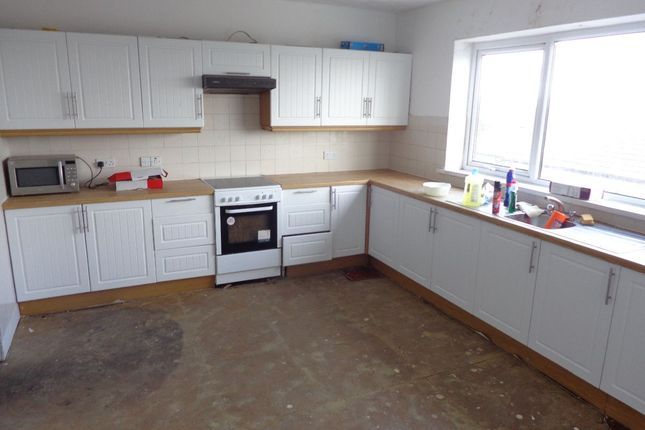 Thumbnail Maisonette for sale in Windsor Road, Griffithstown, Pontypool