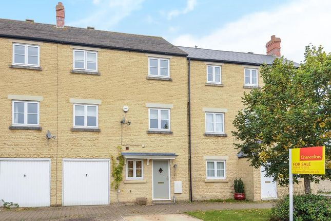 Thumbnail Town house for sale in Cedar Drive, Witney