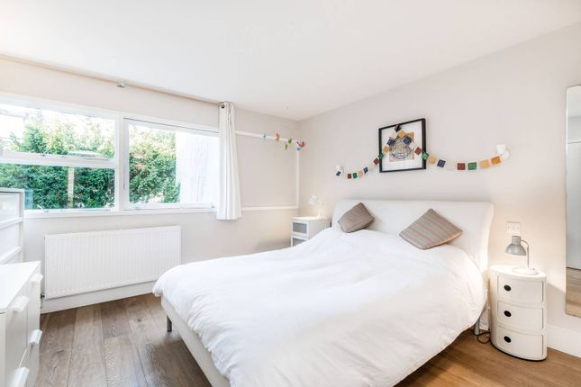 Thumbnail Flat to rent in Spenser Court, Ham