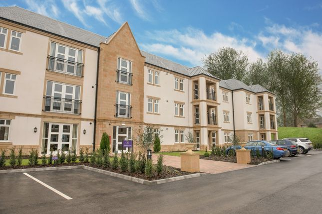 Thumbnail Flat for sale in 17 Devonshire Court, Matlock