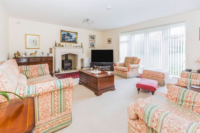 Thumbnail Detached house for sale in Ross Crescent, Worcester, Inkberrow