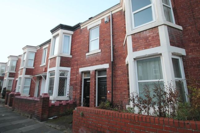 2 bed flat to rent in Balmoral Terrace, Heaton, Newcastle Upon Tyne