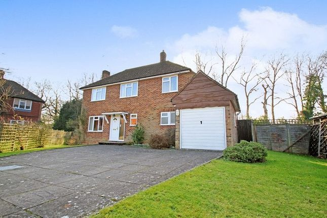 3 bed detached house for sale in Woodlands Close, Cranleigh