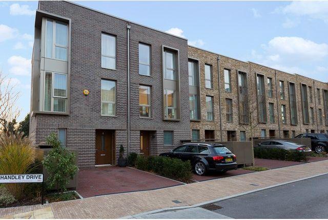 Thumbnail Property to rent in Handley Drive, Blackheath, London