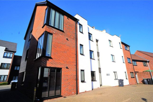 Thumbnail Flat for sale in Hawley Drive, Leybourne, West Malling