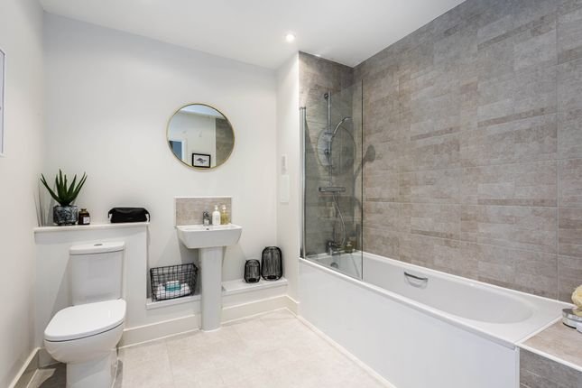 1 bedroom flat for sale in Lambourne House, Apple Yard, Anerley