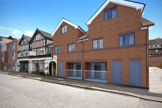 Thumbnail Flat for sale in Oak End Way, Gerrards Cross, Buckinghamshire