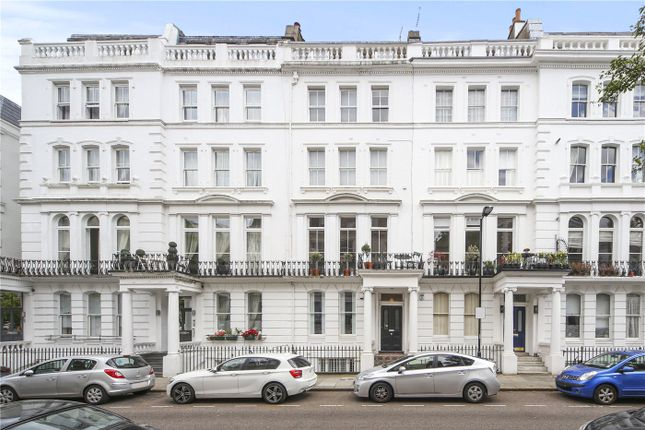 Maisonette to rent in Westbourne Gardens, London