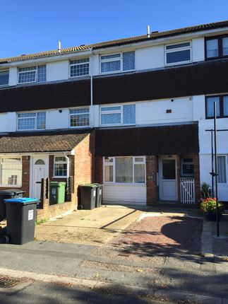 Thumbnail Terraced house to rent in The Glen, Hemel Hempstead