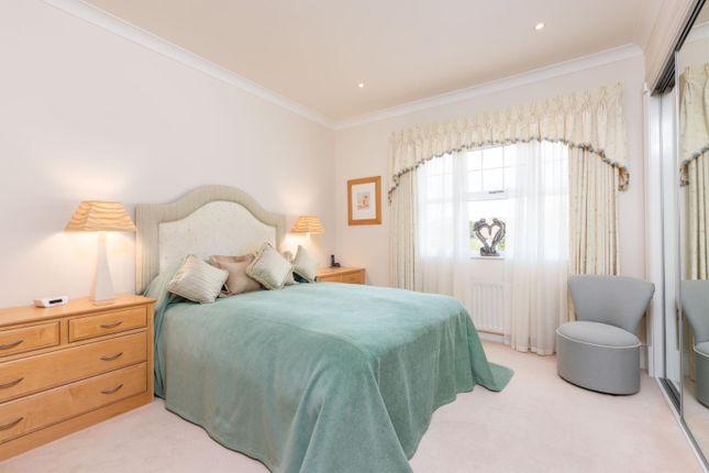 Bedroom of Oatlands Chase, Weybridge KT13